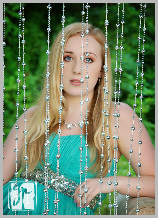 beautiful senior at Morven Park