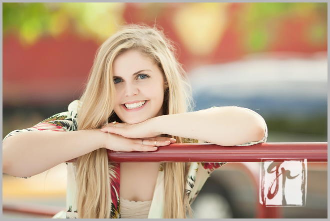 Downtown Herndon Senior Pictures