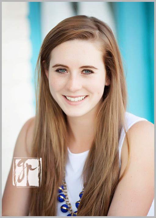 Another gorgeous senior girl